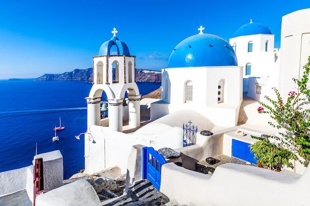 Oia dorp op het eiland santorini, griekenland