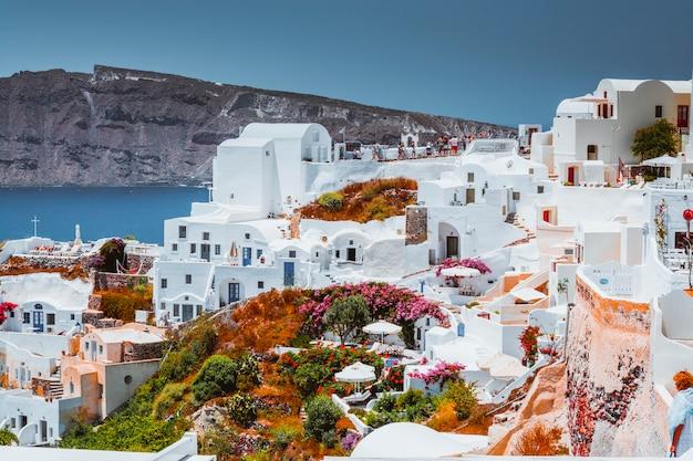 Oia stad op santorini eiland, griekenland.