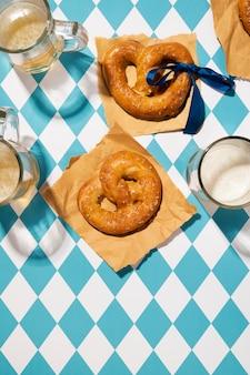 Oktoberfest arrangement met heerlijke pretzel