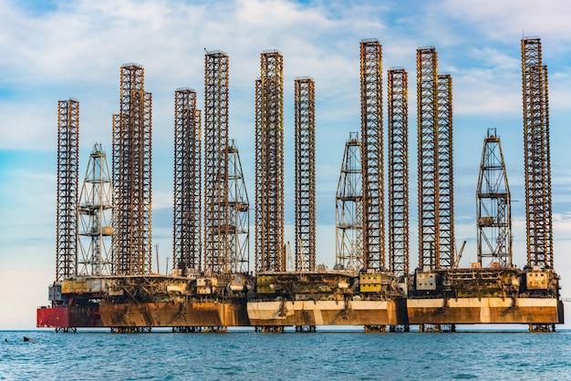 Olieplatform in de zee