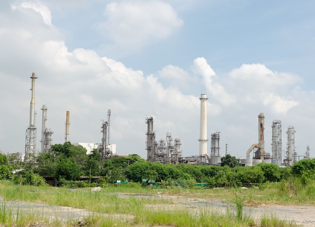 Olieraffinaderij en lucht