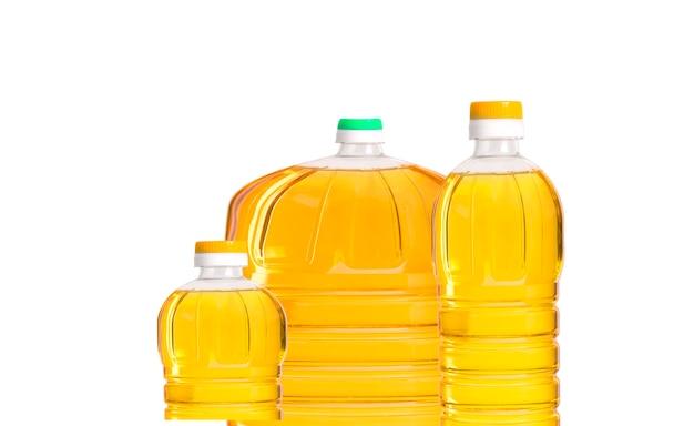 Olijfolieflessen geïsoleerd