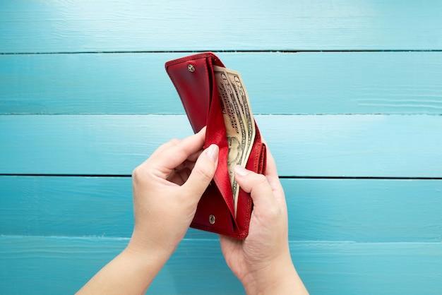 Om aankopen te doen, geld uit te geven of te sparen