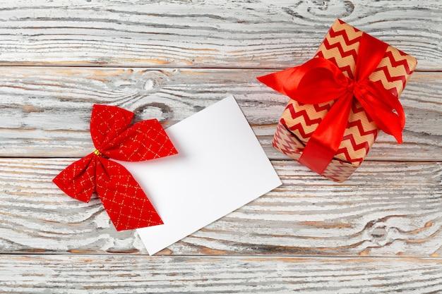 Om lijst voor nieuw jaar te doen, kerstmis die op houten schrijft
