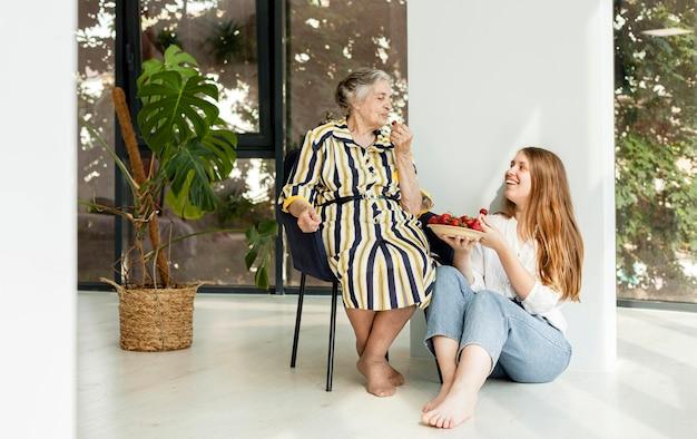 Oma brengt graag tijd door met kleindochter