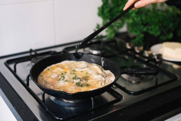 Omelet maken