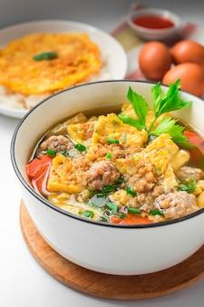 Omelet soep - thaise eiergerecht