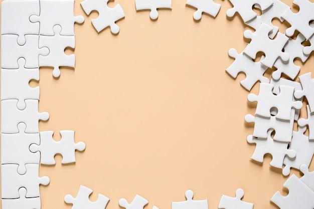 Onafgewerkte witte puzzel