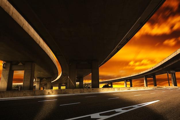 Onder een brug