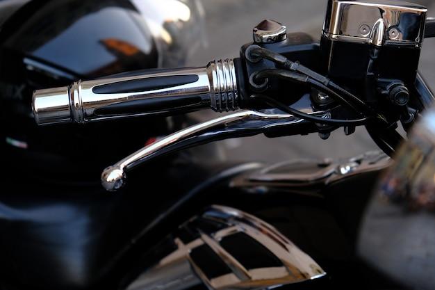 Onderdelen van een luxe krachtige motorfiets.