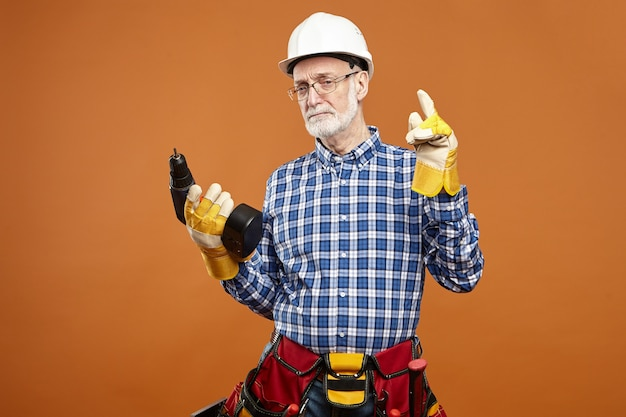 Onderhouds-, reparatie-, sanitair- en bouwconcept.