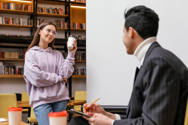 Ondernemers bijeenkomst op kantoor