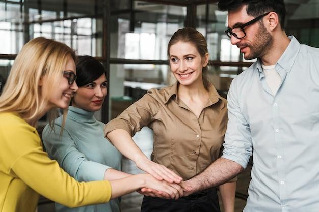 Ondernemers tijdens een vergadering binnenshuis