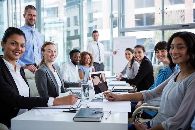 Ondernemers werken in office