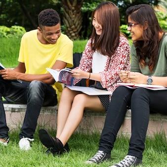 Onderwijs studenten mensen kennis concept