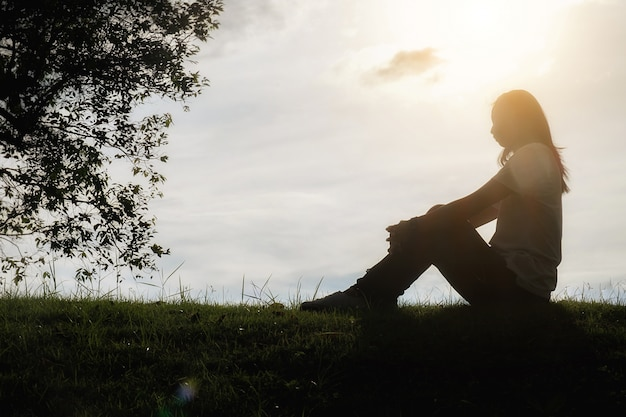 Ongelukkige ruimte vrouwelijke verdriet frustratie eenzaam