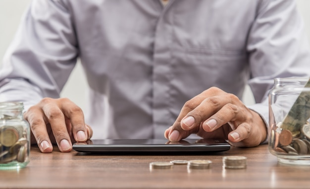 Online bankieren en internet bankieren mobiel bankieren concept