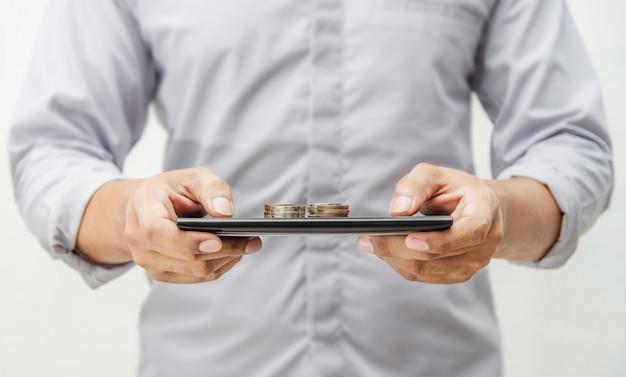 Online bankieren en internetbankieren voor financiële concept