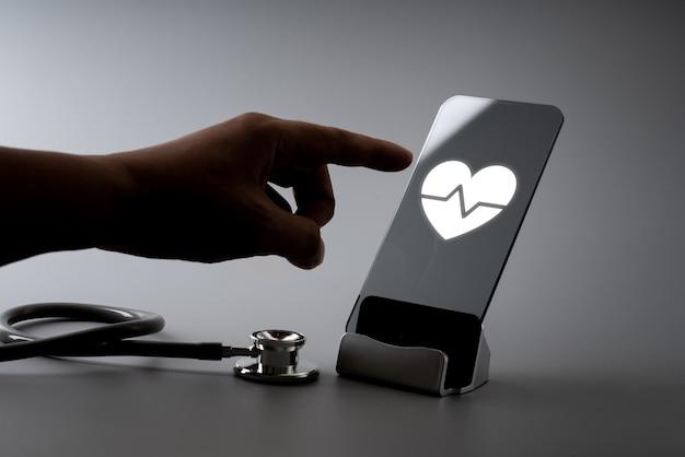 Online gezondheidszorg pictogram applicatie op slimme telefoon