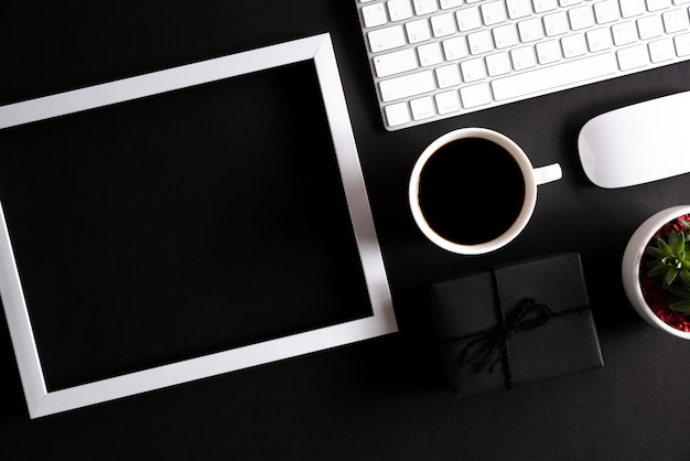 Online winkelen concept en samenstelling van black friday.