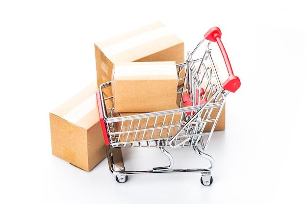 Online winkelen thuis concept. online winkelen is een vorm van elektronische handel