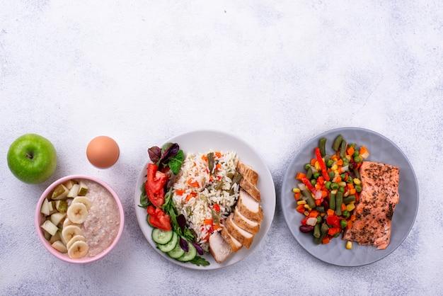 Ontbijt lunch en diner. dagmenu