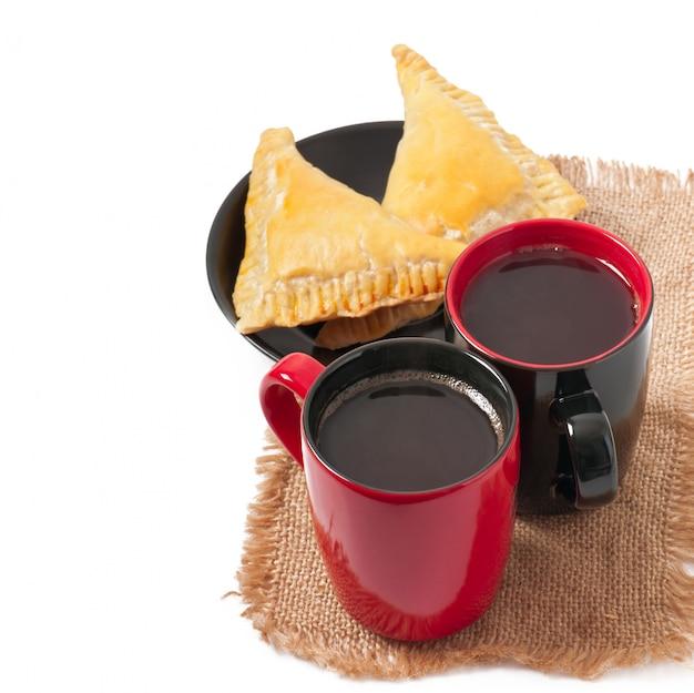 Ontbijt met koffie en pasteitjes