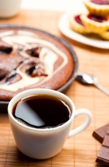 Ontbijt met koffie en taart