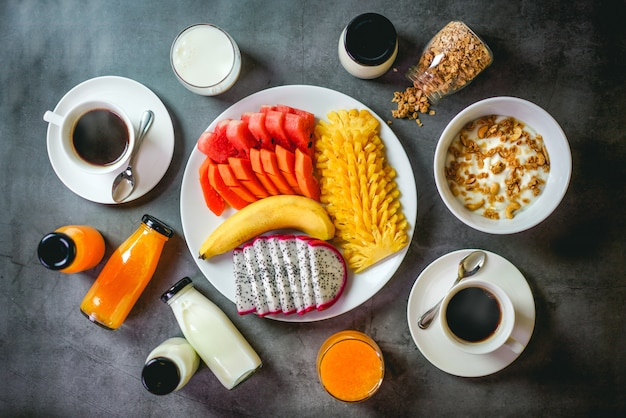 Ontbijt met zwarte achtergrond