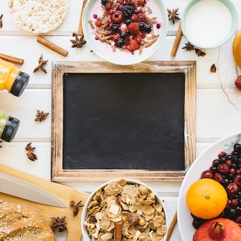 Ontbijt samenstelling met leisteen