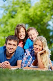 Ontspannen familie rusten