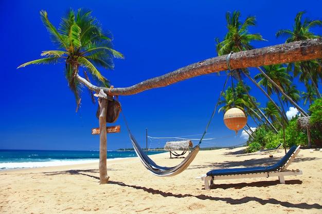 Ontspannende stranden van sri lanka. tangale, ten zuiden van het eiland