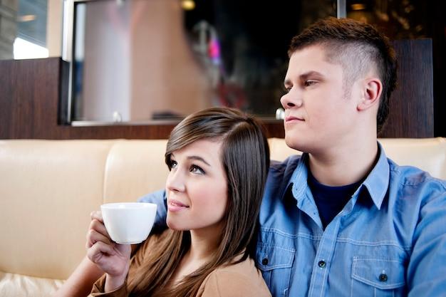 Ontspanning in café