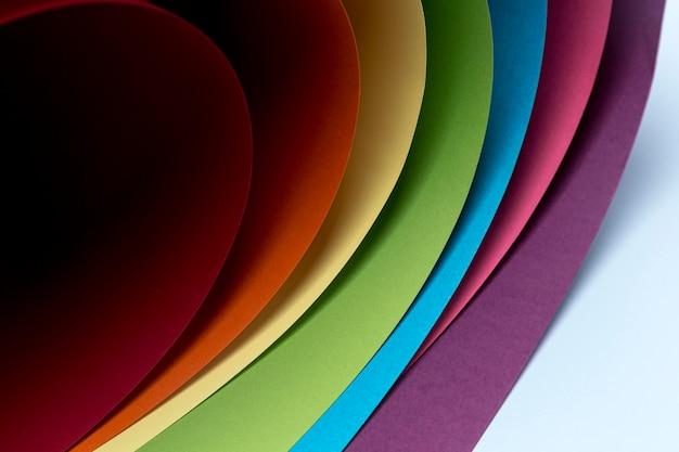 Ontwerp van de achtergrond van kleurrijke vellen