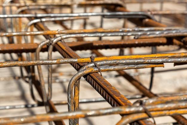 Ontwerp van wapeningskooi van wapening voor betonnen framehuis bakstenen huisbekisting