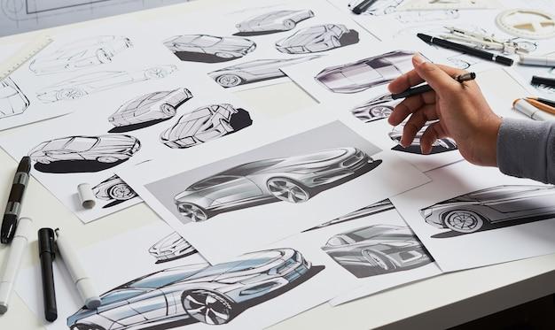 Ontwerper schetsontwikkeling prototype concept car