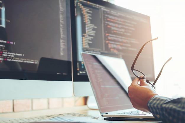 Ontwikkelen van programmeur ontwikkeling website ontwerp en coderingstechnologieën