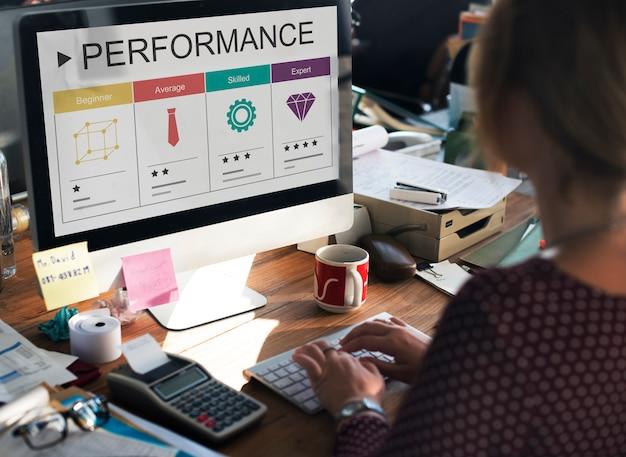 Ontwikkeling prestaties zelfverbetering beoordelingen icoon Gratis Foto