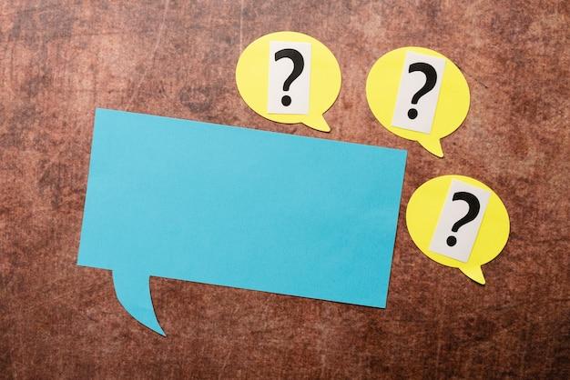 Onzekere gedachten in twijfel trekken, onopgeloste problemen bespreken, geschilconcept onderzoeken, ingewikkelde onderwerpen oplossen, belangrijke vragen schrijven