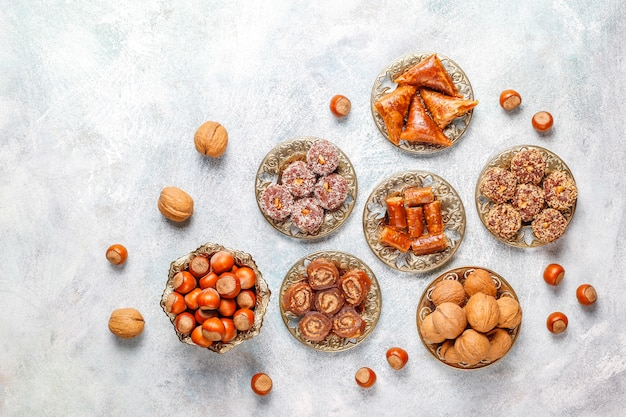 Oosterse zoetigheden, traditioneel turks genot met noten.