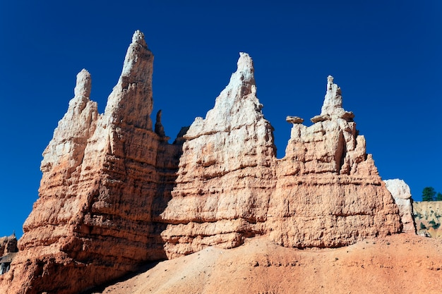 Op de beroemde navajo trail in bryce canyon, utah