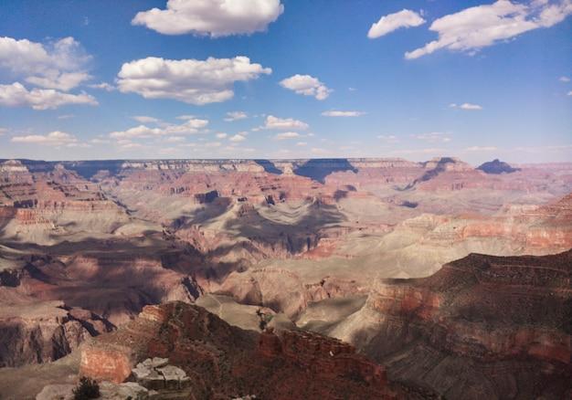 Op de grand canyon van de colorado