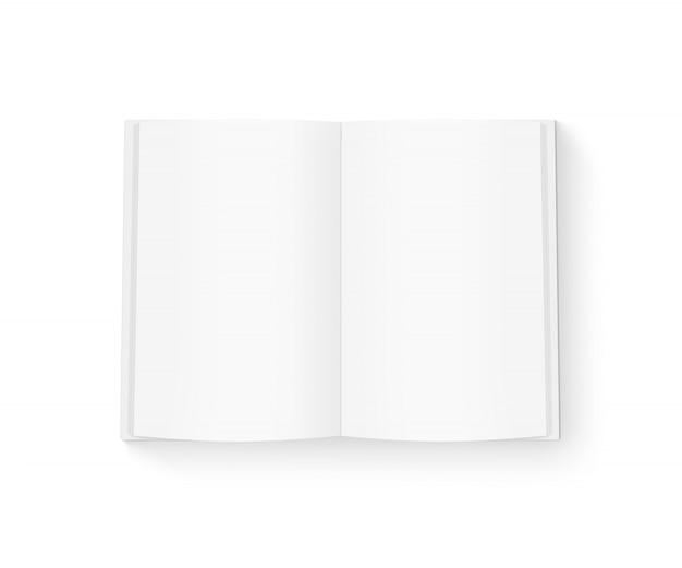 Open blanco boek geïsoleerd op wit.