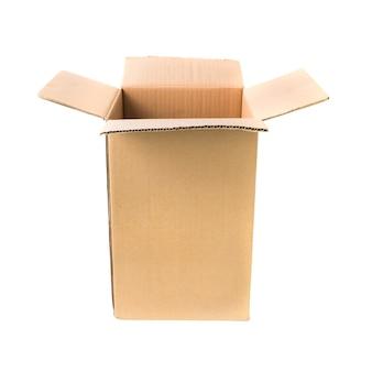 Open kartonnen kartonnen doos geïsoleerd op een witte achtergrond