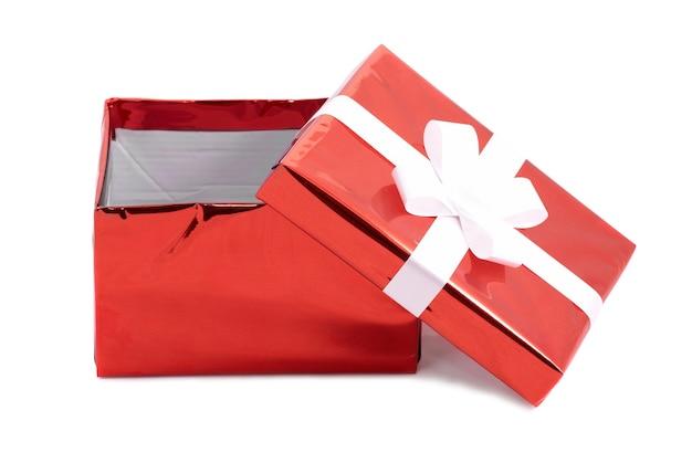 Open rode geschenk huidige doos geïsoleerd