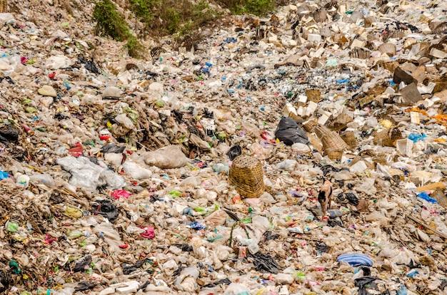 Open vuilstortplaats gemeentelijk afval