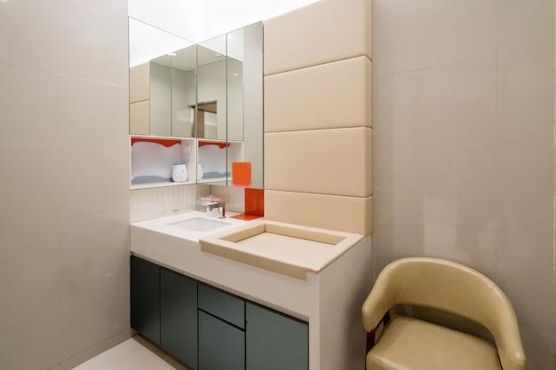 Openbare toiletten voor moeders en baby's in winkelcentra