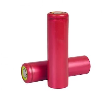 Oplaadbare 18650-batterijen met hoge capaciteit op wit.