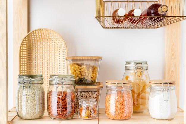 Opstelling met glazen containers