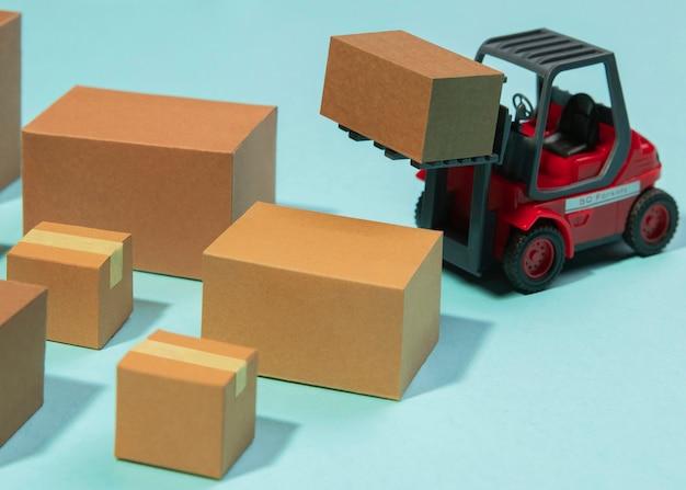 Opstelling met heftruck en dozen
